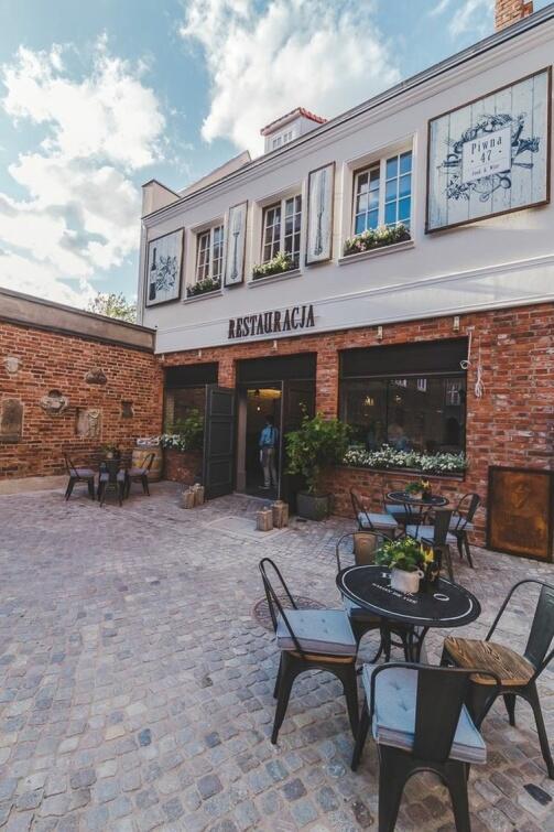 Ogródek restauracji Piwna 47 Food and Wine