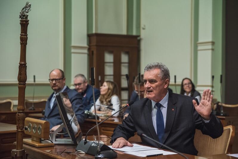 Sesję inauguracyjną poprowadził Bogdan Oleszek przewodniczący Rady Miasta Gdańska