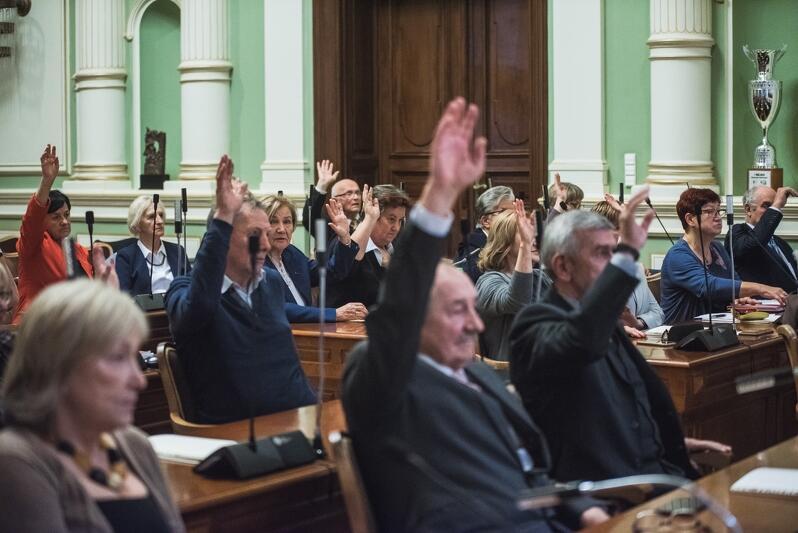31 osób w wieku 60+. Tyle osób weszło w skład pierwszej w Polsce Rady Seniorów