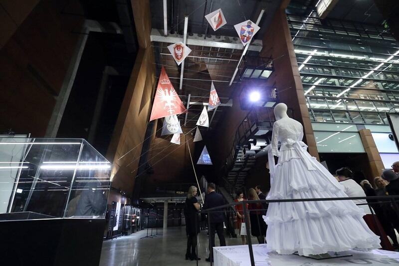 W ECS otwarto wystawę NIĆ. Sploty wolności, a na niej niezwykle cenne przedmioty związane z obchodzonym w tym roku 100. leciem odzyskania przez Polskę niepodległości