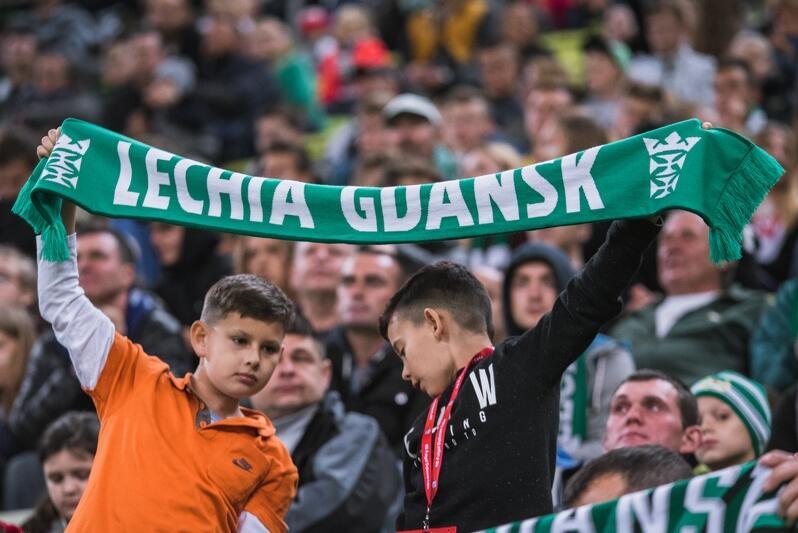Wizyta na meczu Lechii Gdańsk to dla młodych duże przeżycie - trzeba jeszcze tylko kibicować i trzymać kciuki za zwycięstwo naszych