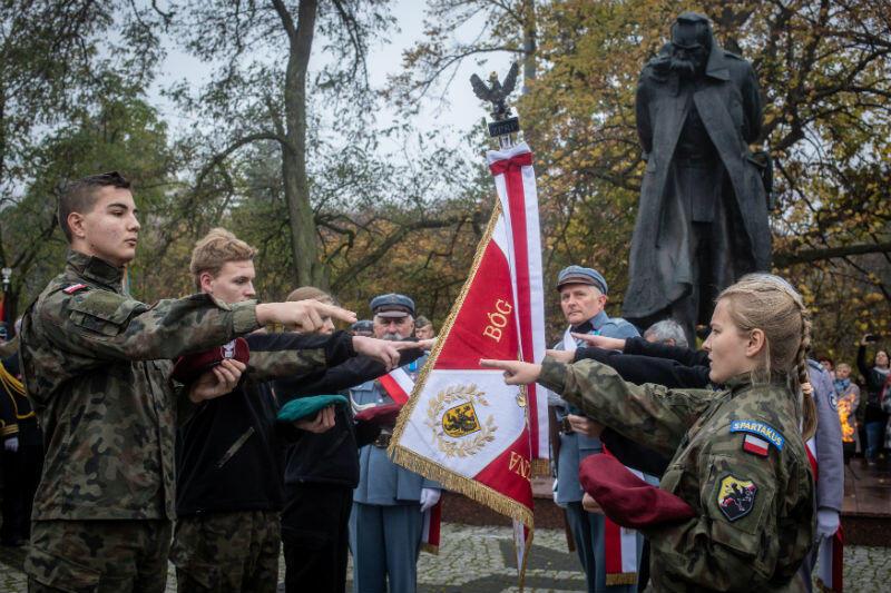 W sobotę, 10 października, odbyły się uroczystości z okazji Święta Niepodległości pod pomnikiem marszałka Józefa Piłsudskiego