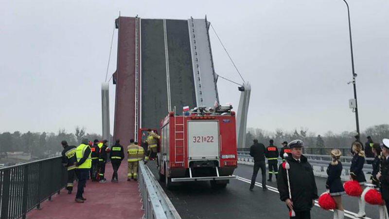 Most otwiera się w ciągu 2,5 minuty