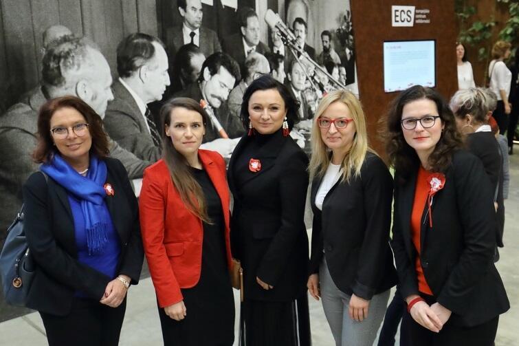Do Europejskiego Centrum Solidarności przybyły z całej Polski wybitne kobiety, osobistości świata naukowego, politycznego i artystycznego