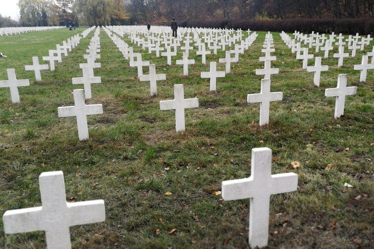 1,5 tys. grobów - to największy poza granicami Francji cmentarz francuskich żołnierzy