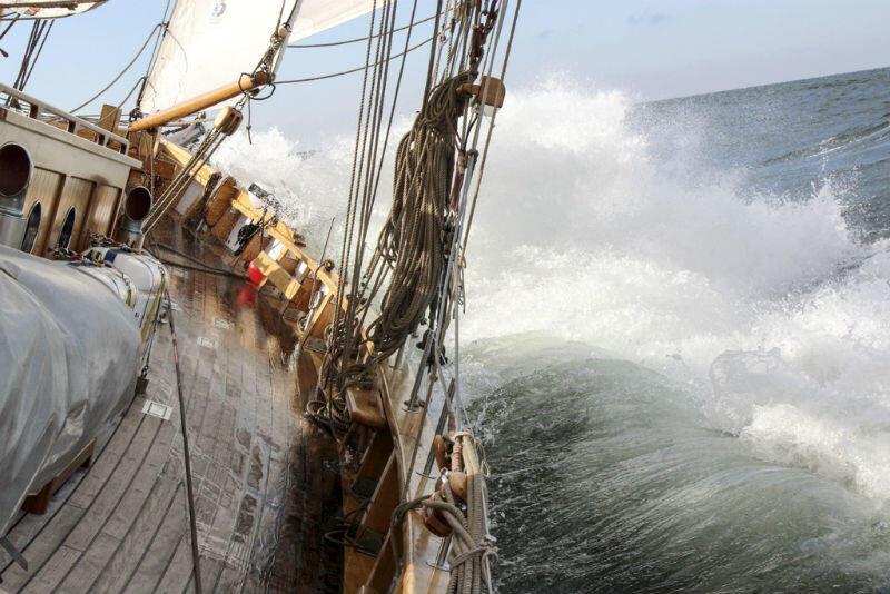 Nagrodą główną jest kilkudniowy rejs statkiem zwycięskiego zespołu wraz z opiekunem. Nz. Generał Zaruski , flagowy żaglowiec Miasta Gdańska