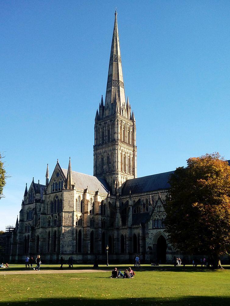 Monumentalna katedra w Salisbury