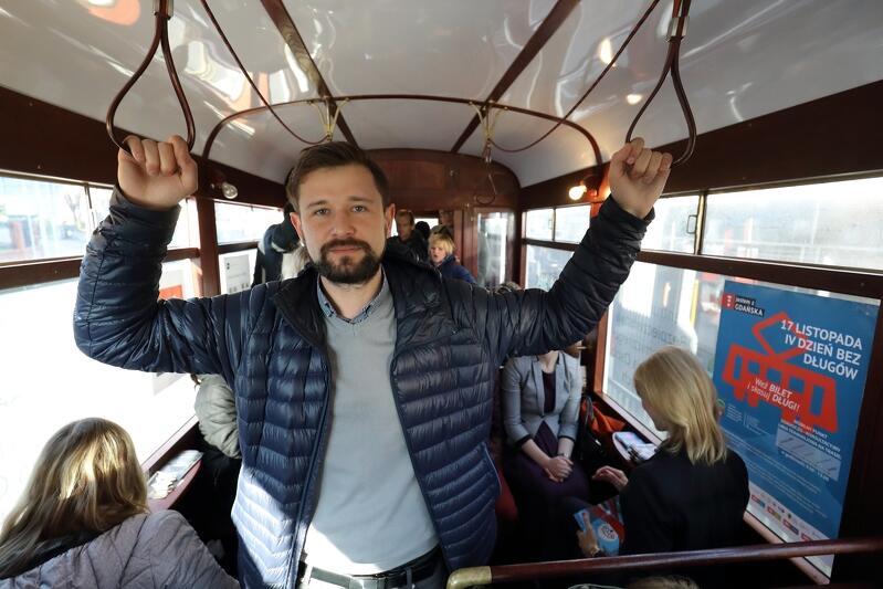 Na zdjęciu Piotr Puchalski z Centrum Bezpieczeństwa Ekonomicznego i Wsparcia Osób Zadłużonych, główny organizator sobotniej akcji