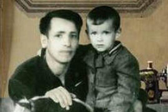 Czteroletni Aleksander z ojcem Michałem, wieś Krupowo koło Lidy