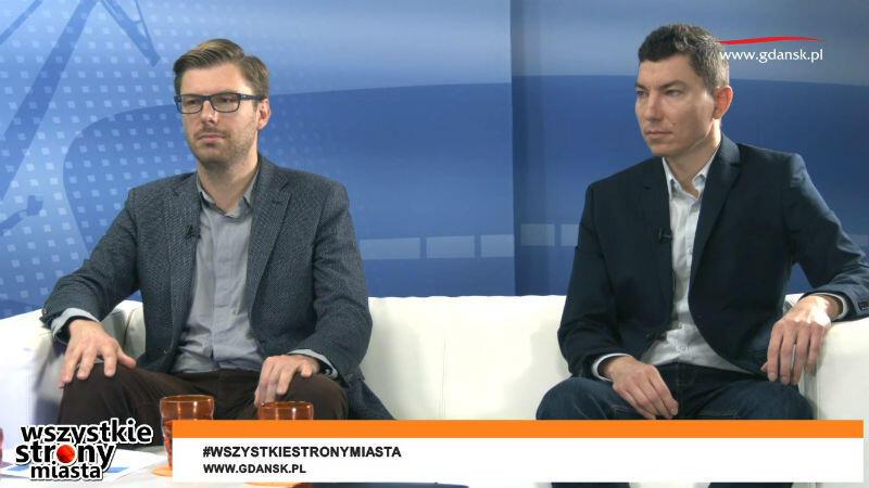 Gośćmi naszego programu byli (od lewej); Michał Szymański - zastępca dyrektora Gdańskiego Zarządu Dróg i Zieleni ds. Przestrzeni Publicznej oraz Jarosław Czyżo - zastępca kierownika Działu Oczyszczania GZDiZ