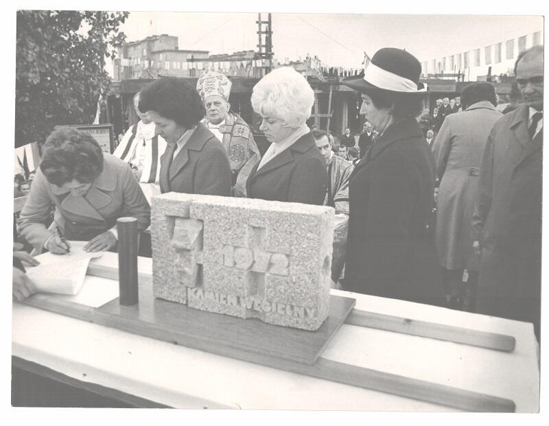 Uroczystość wmurowania kamienia węgielnego pod budowę świątyni na Przymorzu