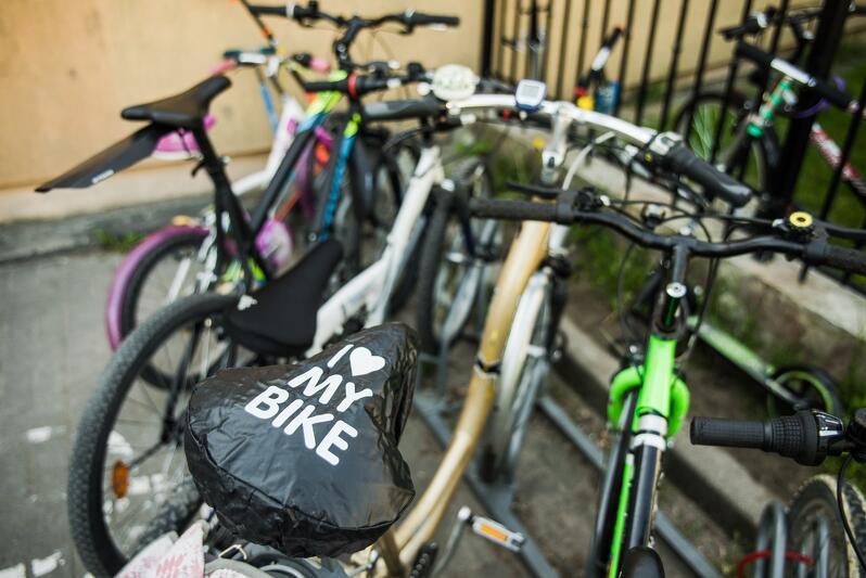 Ktoś tu kocha swój rower - parking pod Szkołą Podstawową nr 45 w Gdańsku, Rowerowy Maj 2018