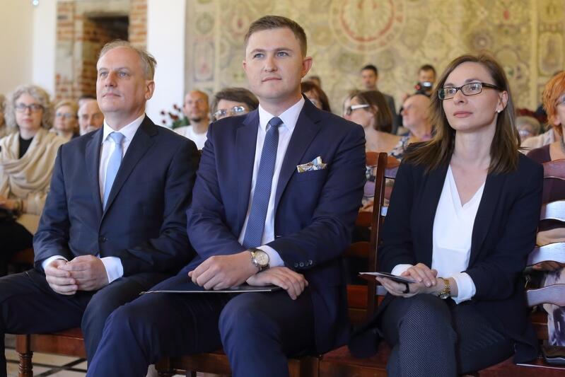 Od lewej: Dariusz Drelich wojewoda pomorski i Piotr Grzelak z-ca prezydenta Gdańska ds. polityki komunalnej