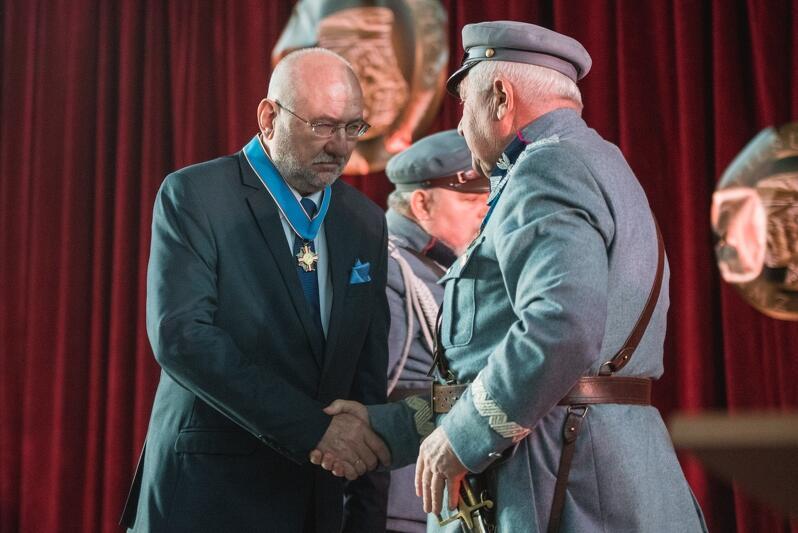 Dyrektor Różycki otrzymał Order Honorowy Piłsudczyków za krzewienie zasług i pamięci o Józefie Piłsudskim