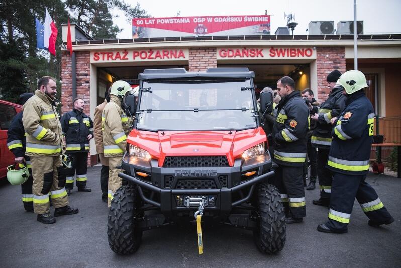 Strażacy-ochotnicy ze Świbna otrzymali od Miasta nowoczesny pojazd