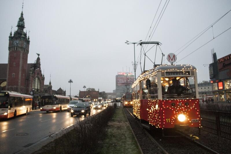Świąteczny tramwaj będzie kursował codziennie, po zmroku w okresie przedświątecznym i przed Nowym Rokiem