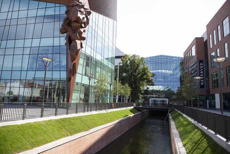 Jako główną przyczynę zerwania umowy Wojewódzki Konserwator Zabytków w Gdańsku wskazuje zabudowanie fragmentu Kanału Raduni, który wkomponowano w Forum Gdańsk