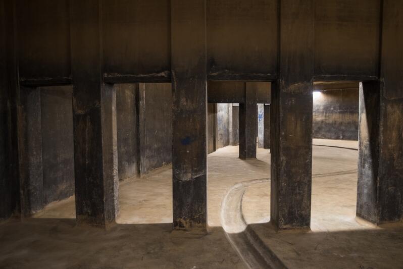 Zbiornik Stary Sobieski pochodzi z 1911 roku. Zbudowany został na planie koła o średnicy 50 metrów jako żelbetowy monolit