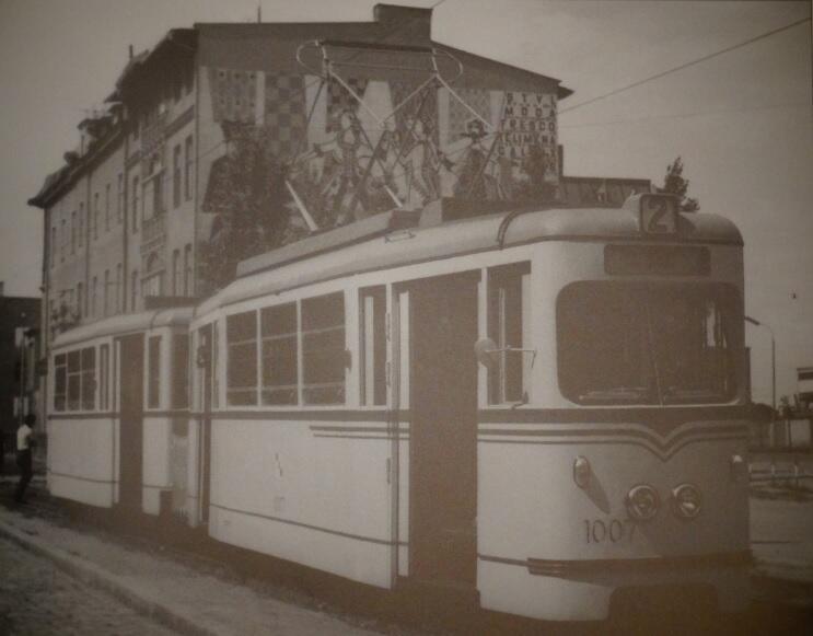 """Przez kilka lat tramwaj """"1007"""" obsługiwał linię numer 2"""
