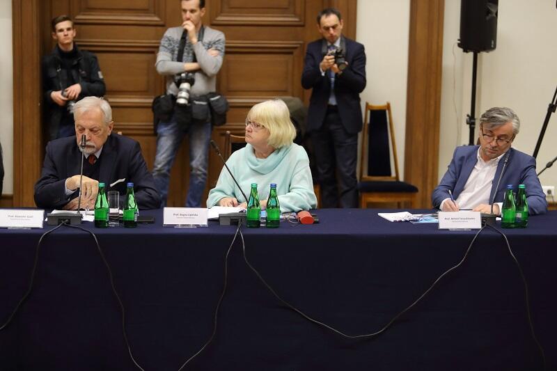 Od lewej: prof. Sławomir Gzell z Politechniki Warszawskiej, prof. Bogna Lipińska - Sopocka Szkoła Wyższa oraz prof. Antoni Taraszkiewicz z Politechniki Gdańskiej