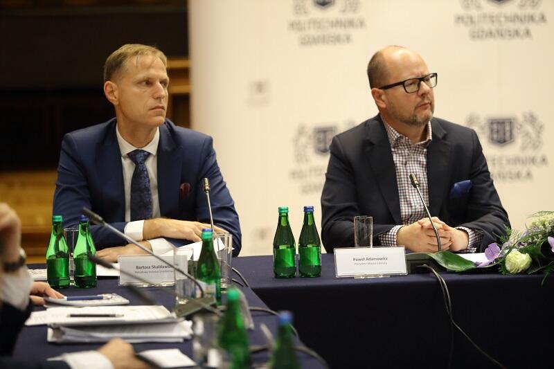 Od lewej: Bartosz Skaldawski, dyrektor Narodowego Instytutu Dziedzictwa w Warszawie oraz prezydent Gdańska Paweł Adamowicz