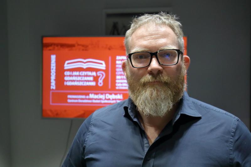 """- Wychowanie w kulturze czytania jest bardzo ważne - mówi dr Maciej Dębski, socjolog z Centrum Doradztwa i Badań Społecznych """"Socjogram"""""""