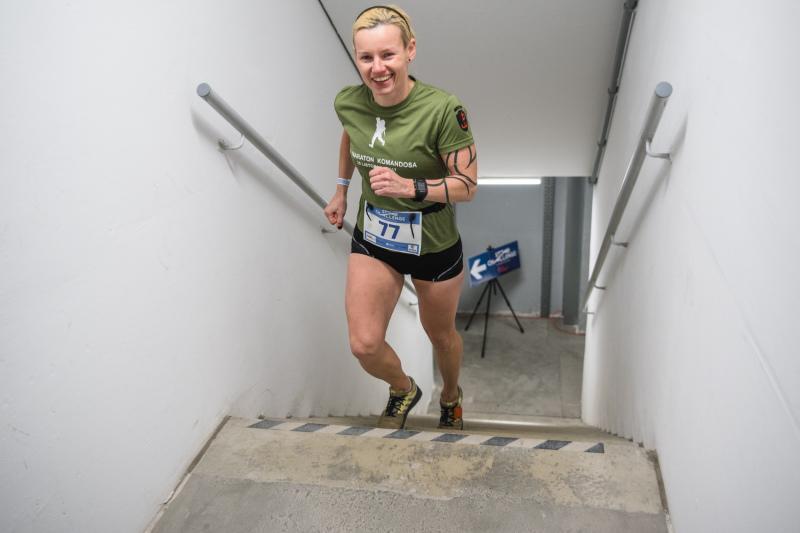 723 schody na 34 piętrach - takie było wyzwanie biegu `Star Challenge`