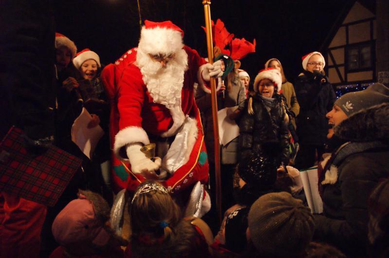 Tegoroczną atrakcją będzie m.in. Oficjalna Rezydencja Świętego Mikołaja. Na zdjęciu gość XIX Gwiazdki na Oruni