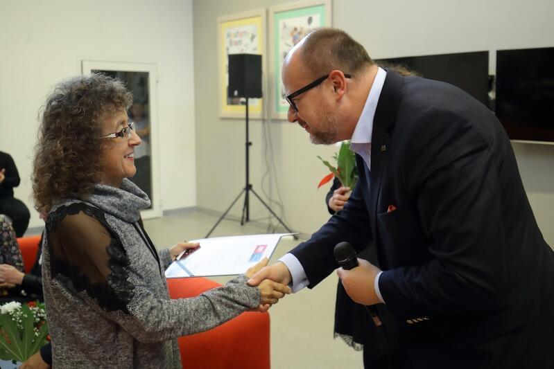 Tytuł Opiekunki Roku  przyznawany jest od 2005 roku przez Prezydenta Miasta Gdańska. 4 grudnia br. Paweł Adamowicz wręczył go już po raz czternasty.