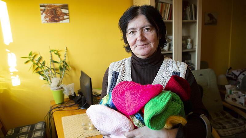 Anna Miękina: - Tę różową czapkę zrobiłam jako ostatnią, w poniedziałek wieczorem
