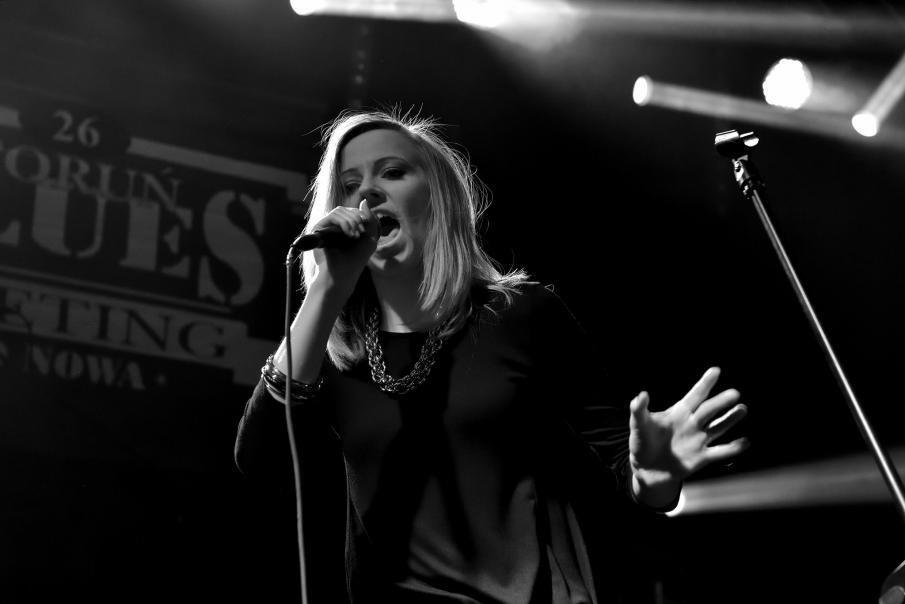 Marta Szefke w Oliwskim Ratuszu Kultury wystąpi ze swoim trzyosobowym projektem bluesowym. Warto!