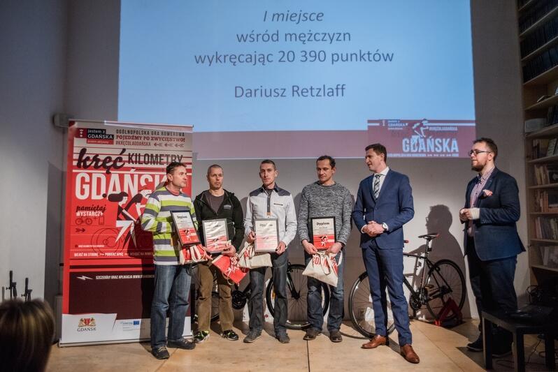Najlepszy wśród panów był Dariusz Retzlaff (pierwszy od lewej)