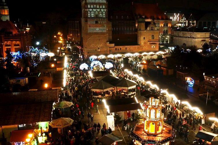 Jarmark Bożonarodzeniowy jeszcze do 23 grudnia. Zobacz zdjęcia z drona