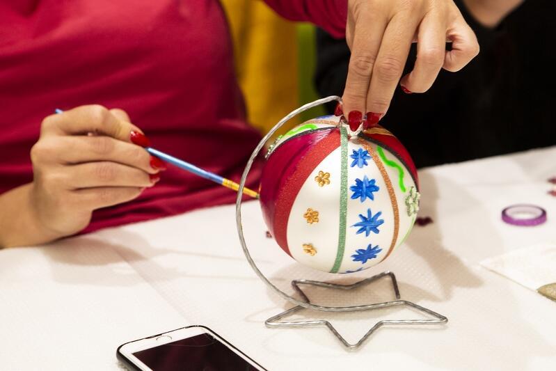 Pomorskie Hospicjum dla Dzieci zorganizowało akcję malowania bombek