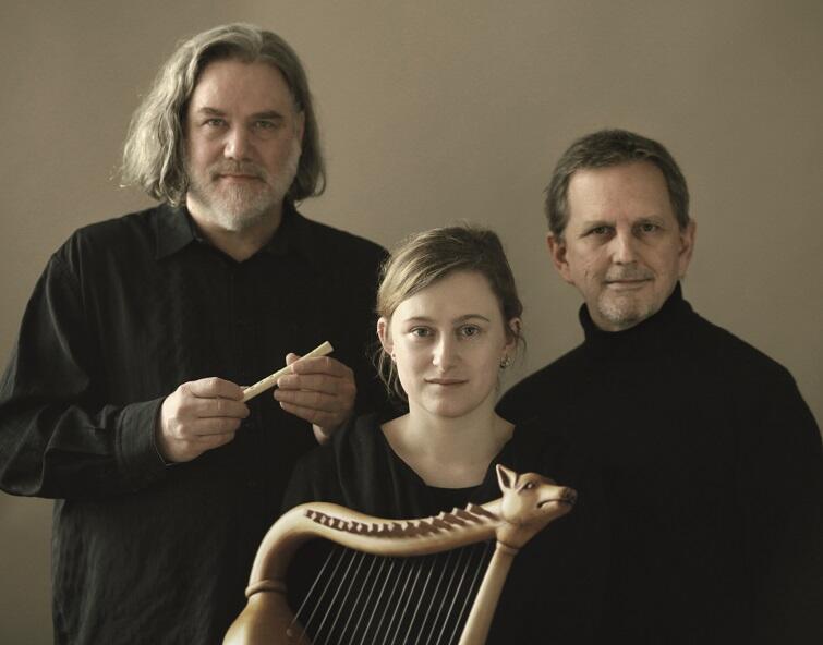 Zespół Sequentia, czyli Norbert Rodenkirchen i Hanna Marti wraz z Benjaminem Bagby'm przedstawią program [14 grudnia] 'Mnisi śpiewają pogan', w którym odkrywają tajemnice średniowiecznych muzycznych manuskryptów zakonnych