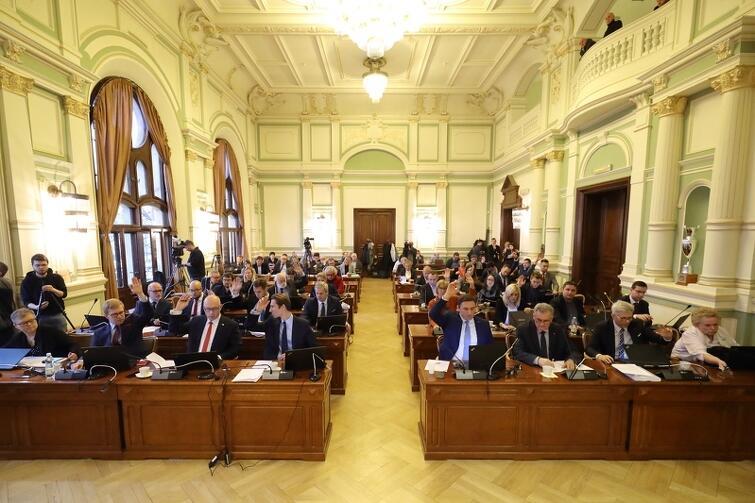 W trakcie grudniowej sesji radni trzech klubów byli podzieleni m.in. w kwestii projektu budżetu Gdańska na 2019 rok