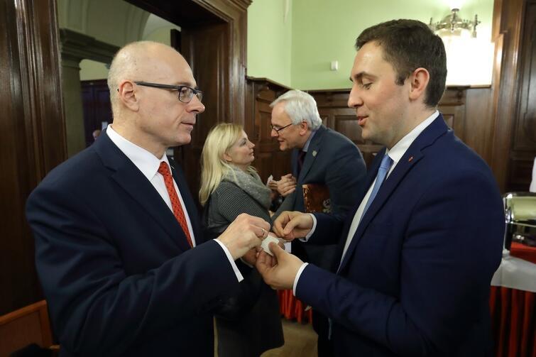 Nz. (po lewej) Kazimierz Koralewski - PiS i Piotr Borawski - KO