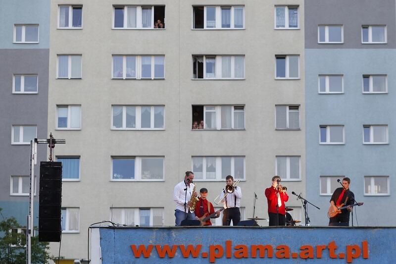 Klub Plama GAK zaprasza na Slam w Blokowisku. Potyczki performerów odbędą się w sobotę, 15 grudnia 2018 r.