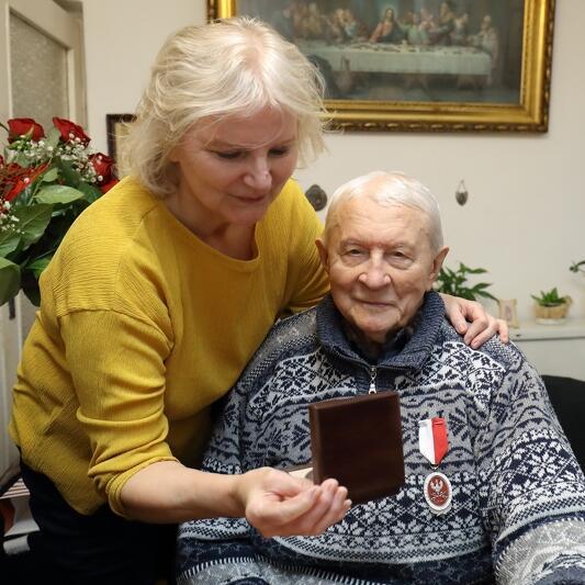 Ludmiła Browarczyk opiekuje się tatą. Kobieta przyznaje jednak, że ojciec pomimo 104 lat jest wyjątkowo samodzielny