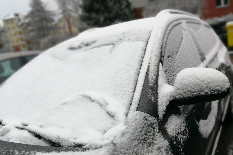 Typowy dzisiaj widok na parkingu z samego rana