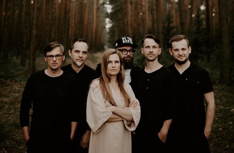 Mikromusic stanowią: Natalia Grosiak, Dawid Korbaczyński, Robert Szydło, Robert Jarmużek, Adam Lepka i Łukasz Sobolak