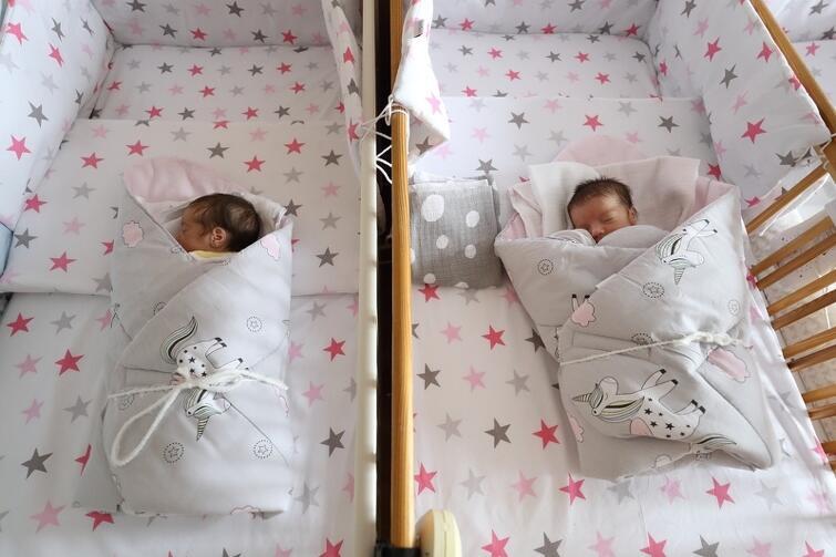 Dwie dziewczyny są już w domu. Trzecia jeszcze przebywa w szpitalu - musi bowiem przybrać jeszcze trochę na wadze