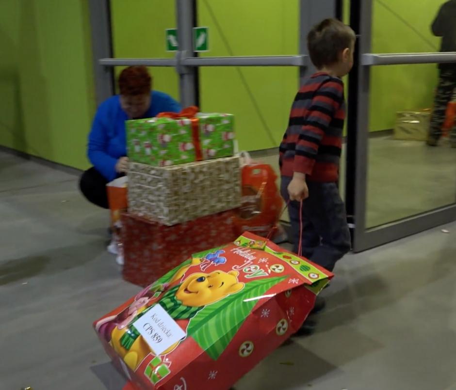 Dzieci opuszczały imprezę w zawrotnym tempie... Nic dziwnego, każdemu by się spieszyło, aby zajrzeć do takiej torby