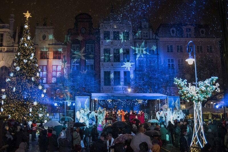 Wigilia Gdańska - piękna tradycja dzielenia się opłatkiem ze współmieszkańcami w przeddzień Wigilii z najbliższymi