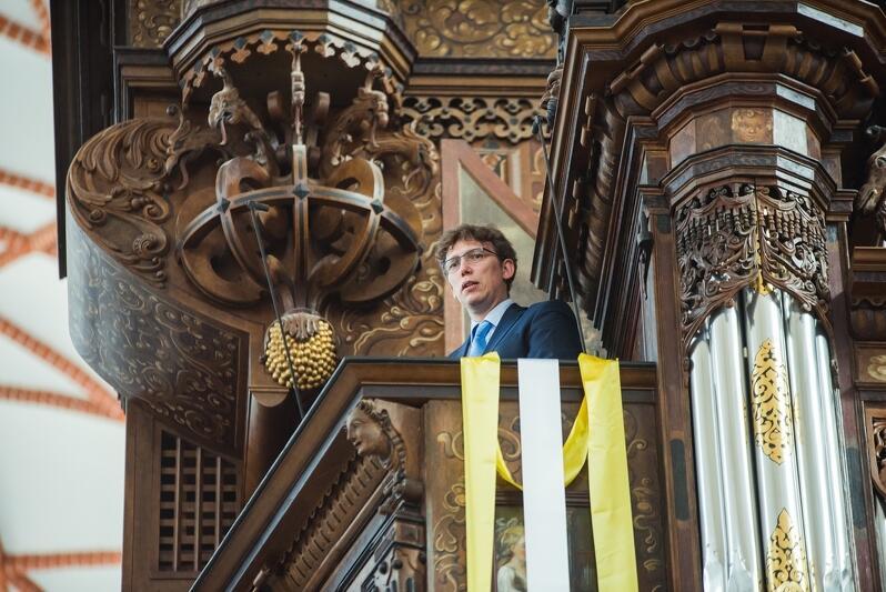Andrzej Szadejko i organy we franciszkańskim kościele Św. Trójcy