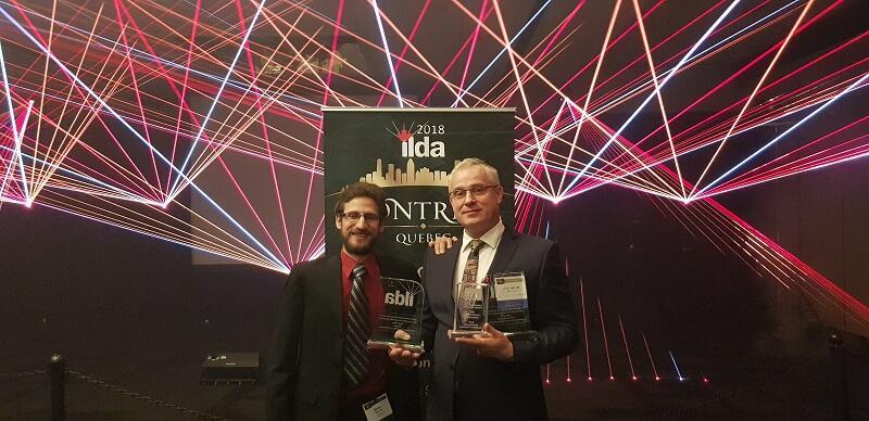 Jarosław Nadolny (z prawej) podczas gali nagród ILDA`2018 - jego firma zdobyła miejsce na podium trzech kategorii artystycznych konkursu tego międzynarodowego stowarzyszenia
