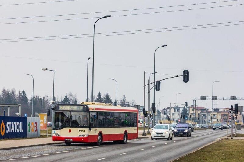 Solaris Urbino - pojazd tego typu zapalił się dziś rano. W poniedziałek komisja ekspertów z Gdańskich Autobusów i Tramwajów będzie wyjaśniać przyczyny pożaru