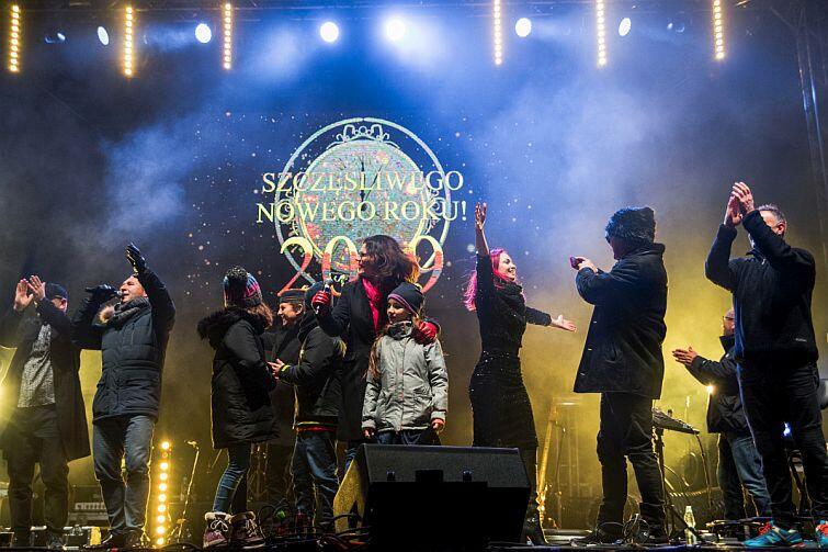 W Gdańsku bawiono się w czasie nocy sylwestrowej na czterech plenerowych koncertach