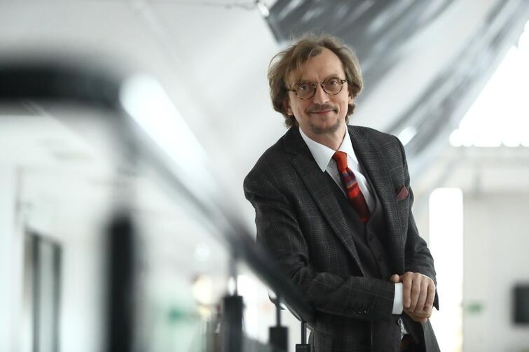 Paweł Szkotak w 2018 roku wyreżyserował Cyrulika sewilskiego  w Operze Bałtyckiej. W tym roku w Teatrze Miniatura zobaczymy jego inscenizację  Pinokia