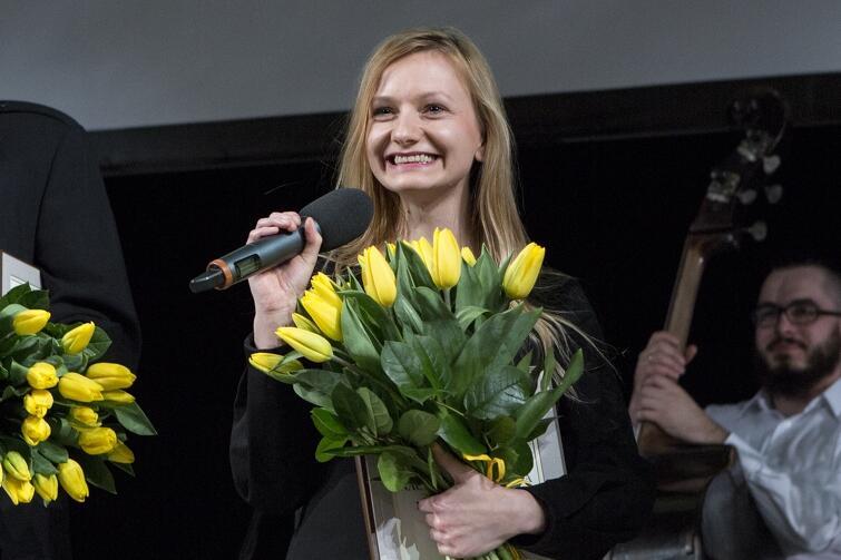 W 2016 roku Ewelina Marciniak została laureatką Nagrody Teatralnej Miasta Gdańska. W Teatrze Wybrzeże mogliśmy wielokrotnie podziwiać jej spektakle. Miłośników jej talentu powinna ucieszyć marcowa premiera